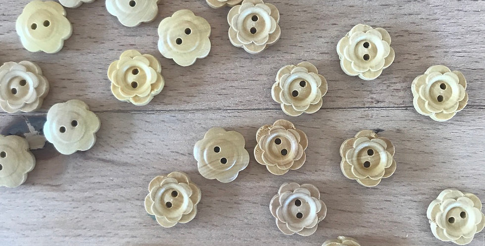 Double petal wooden button (small)