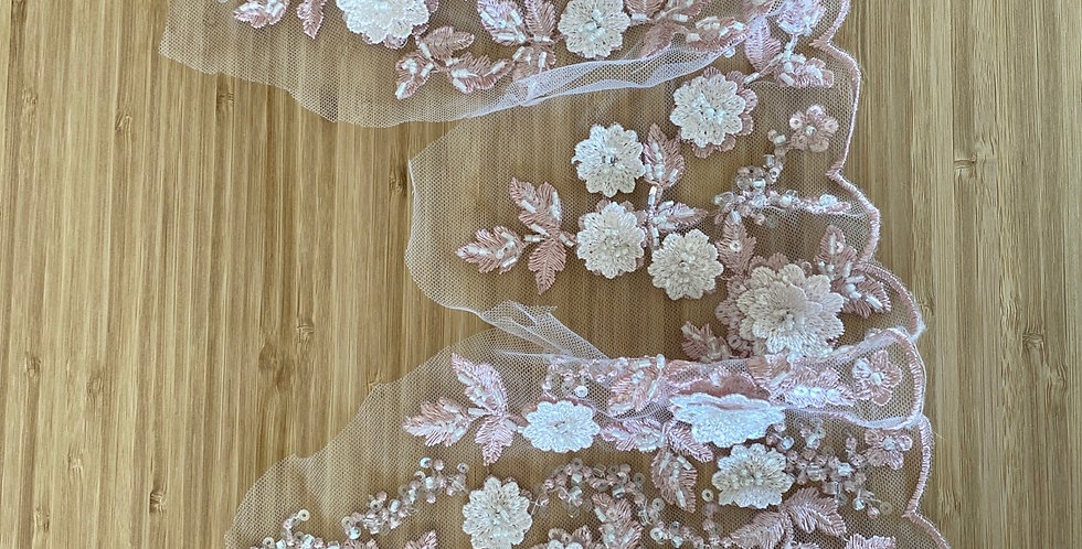 Dusty pink beaded 3D lace border 1