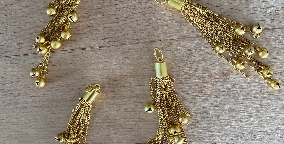 Gold chain bell tassel