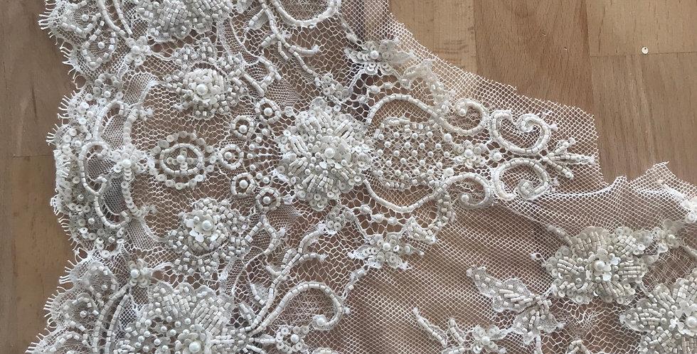 Cream lace piece #101