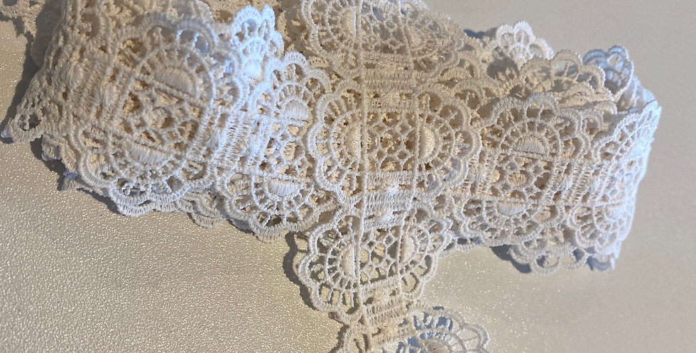 Ivory Lace Remnant