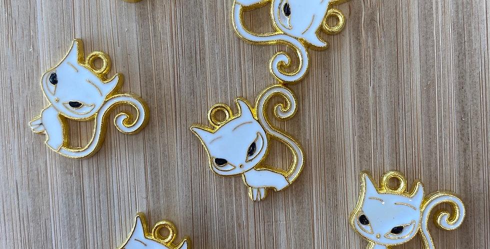 Sly cat charm white