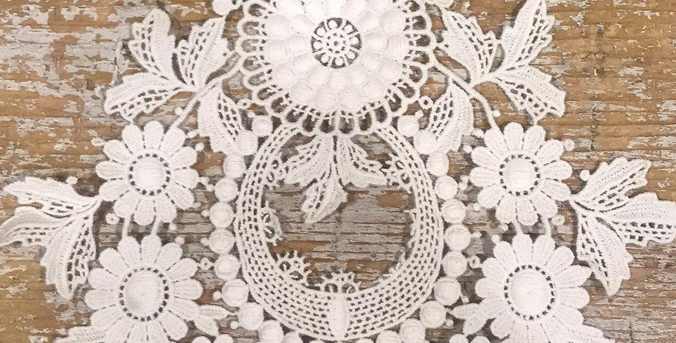 Opulence motif cream