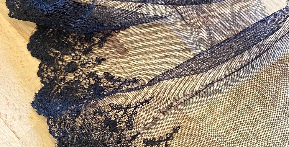 Maggie embroidered trim black