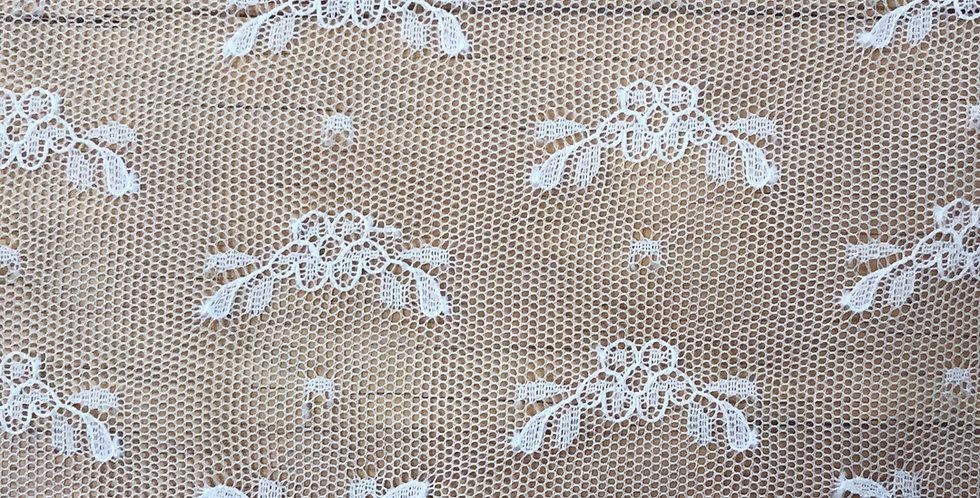Helouise fine lace trim