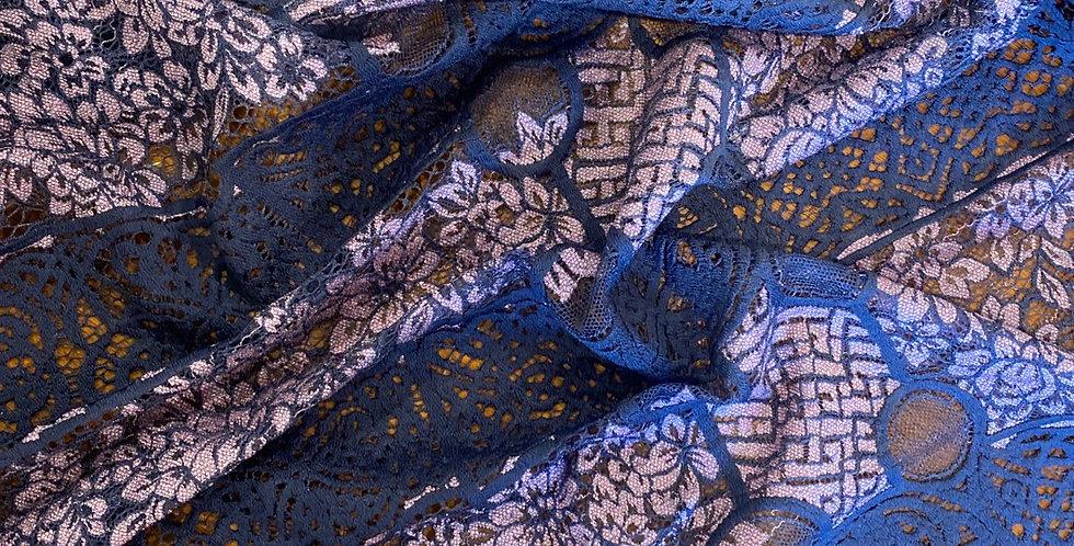 Trail eyelash lace remnant