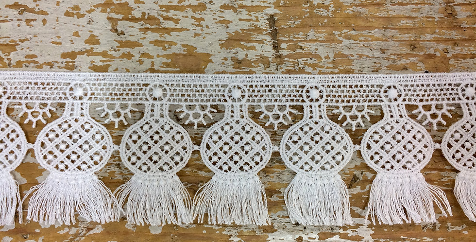 Lantern parade lace trim