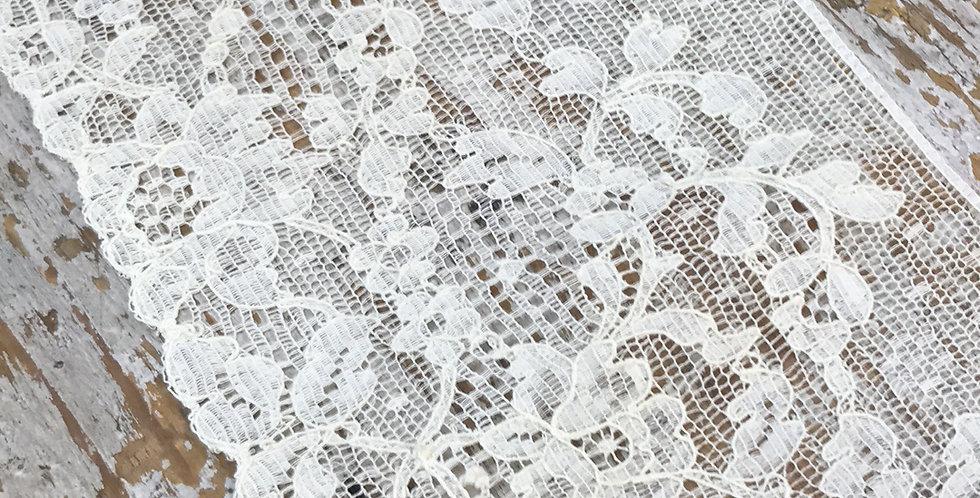 Liza vintage lace