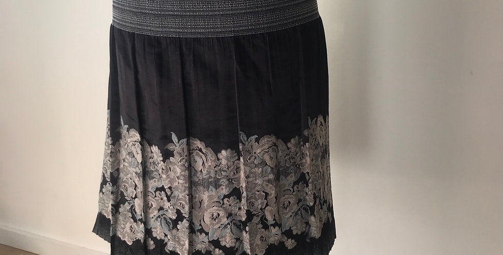 Floral border shirred waist panel