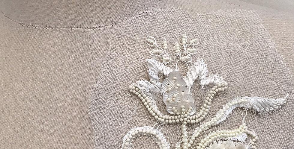 Tulip lace motif