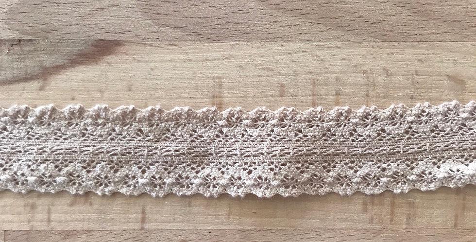 Nina coffee crochet lace