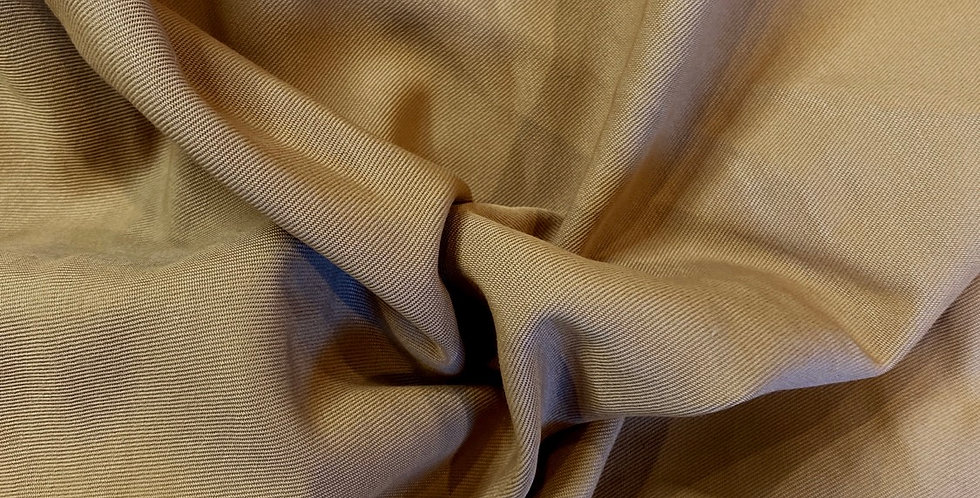 caramel twill weave suiting remnant