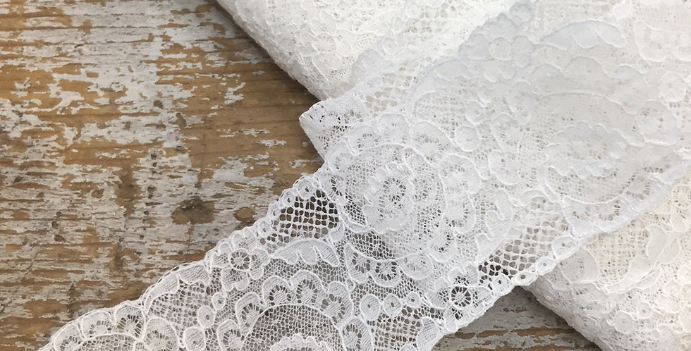 Scrolled vintage lace