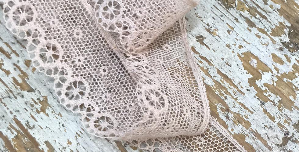 Etienne vintage lace