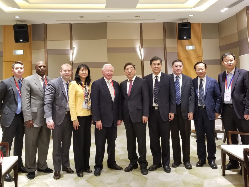 NFCR President & CEO Dr. Sujuan Ba (4th from left) with Chinese Vice Minister of National Health and Family Plan Yixing Zeng (5th from left) and the 2017 International Innovative Oncology Companies Roadshow delegation