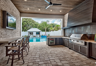 outdoor-kitchen-with-grill-area-and-sunken-bar-florida_edited.png