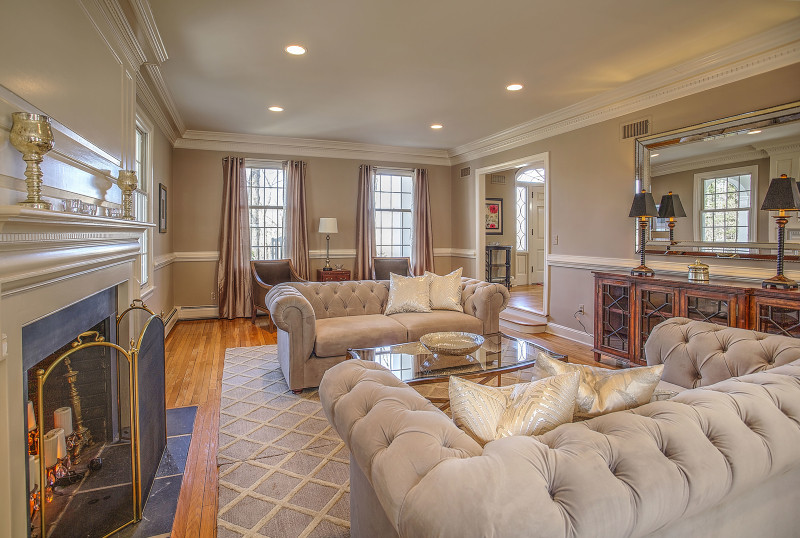Simplicity Design Services Living Room Staging