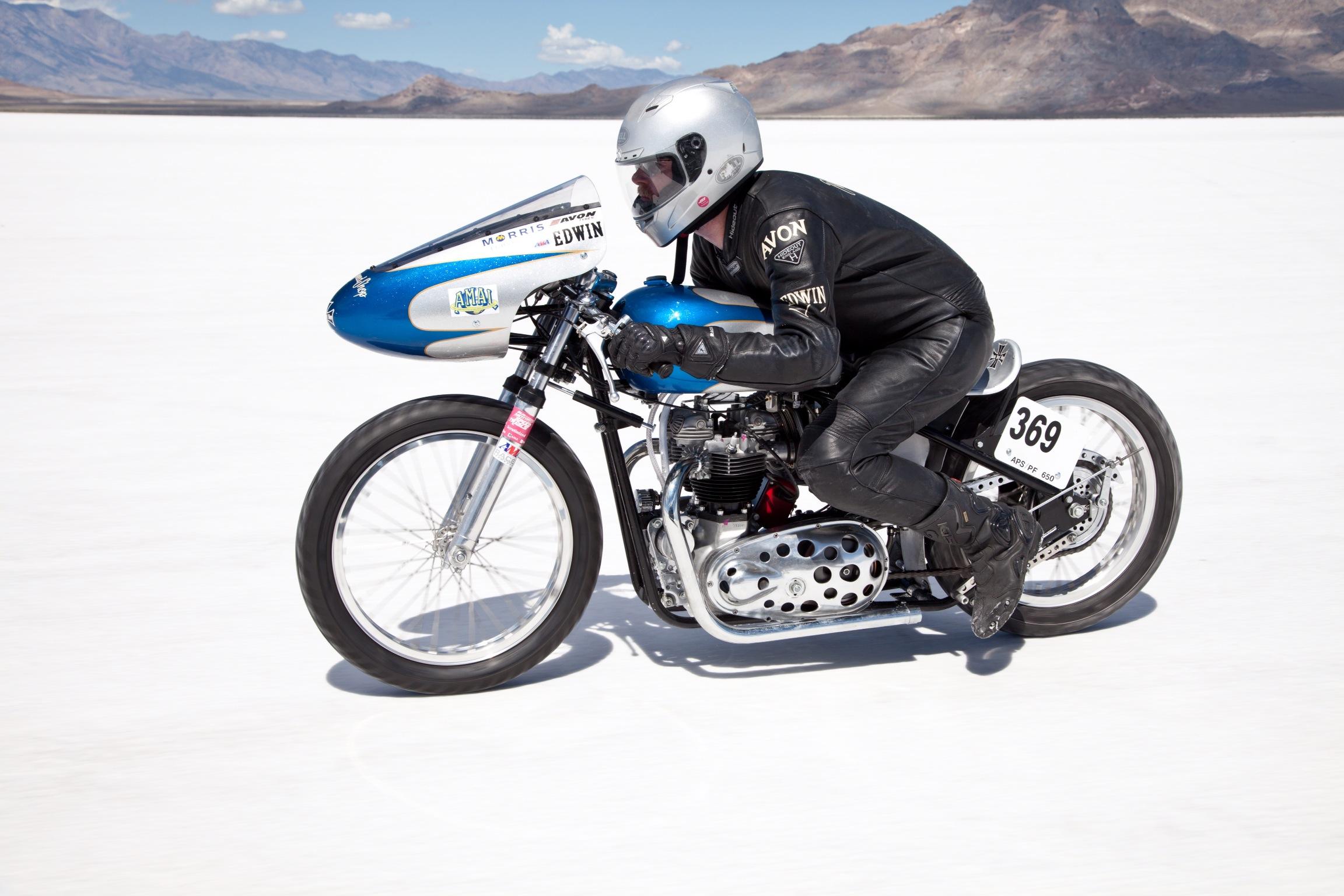 Triumph Bonneville Racer