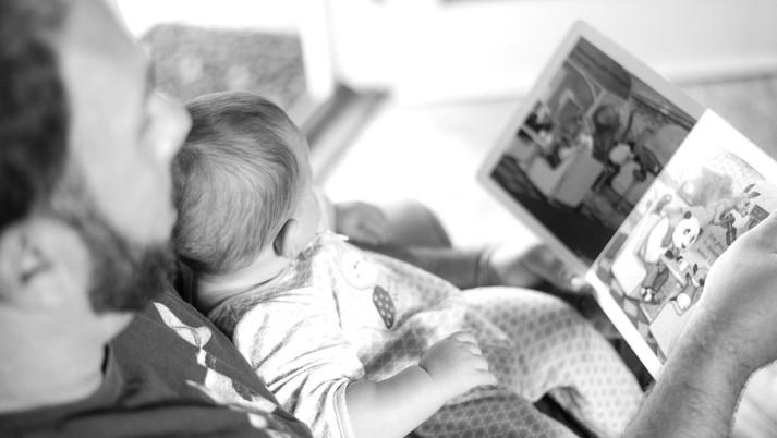 絵本は「大人が子どもに読んでやる本」