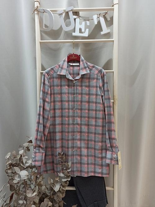 Camisa de cuadros rosas y gris
