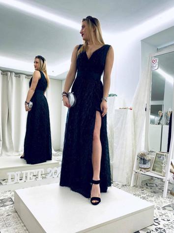 vestido negro largo con brillos