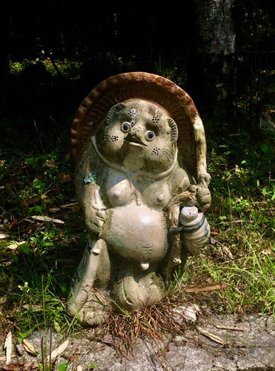 Tanuki Statue at  Houmyōin Temple (法明院)