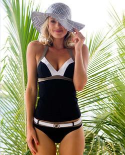bathing suit V&D Vrouw magazine