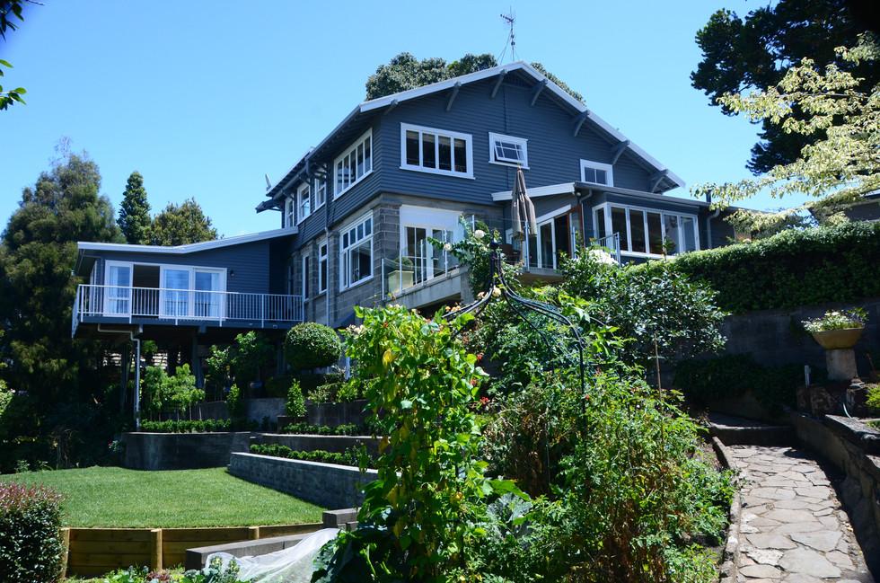 Home exterior before renovation
