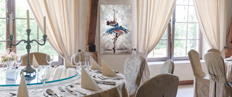 Accueil - Restaurant avec danseuse