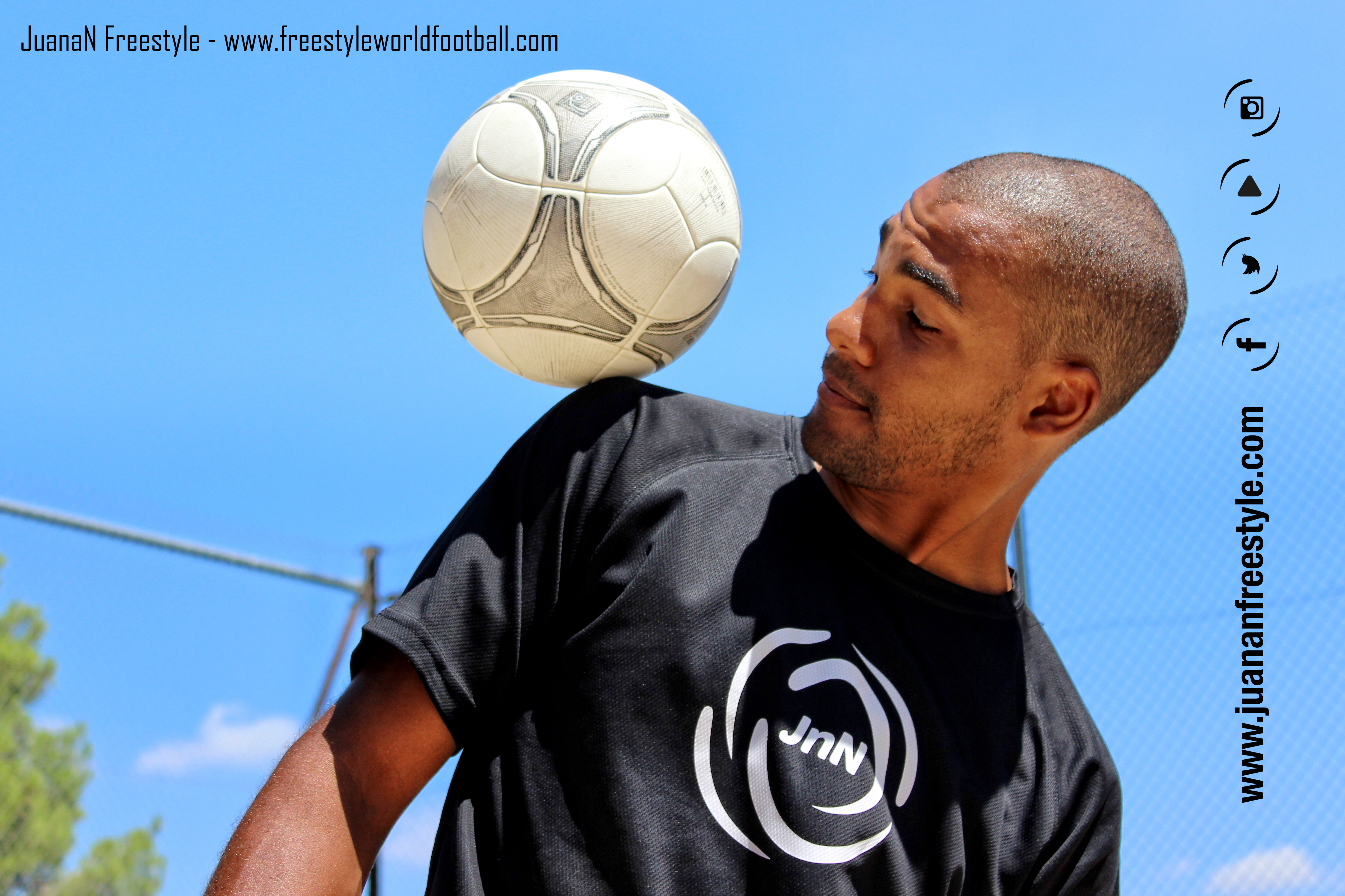 JuanaN Freestyle - 003 - www.freestyleworldfootball.com.jpg