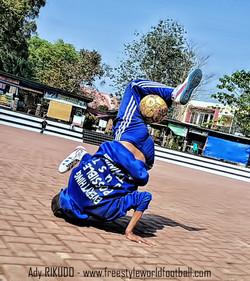 Ady RIKUDO - 003 - www.freestyleworldfootball.com.jpg