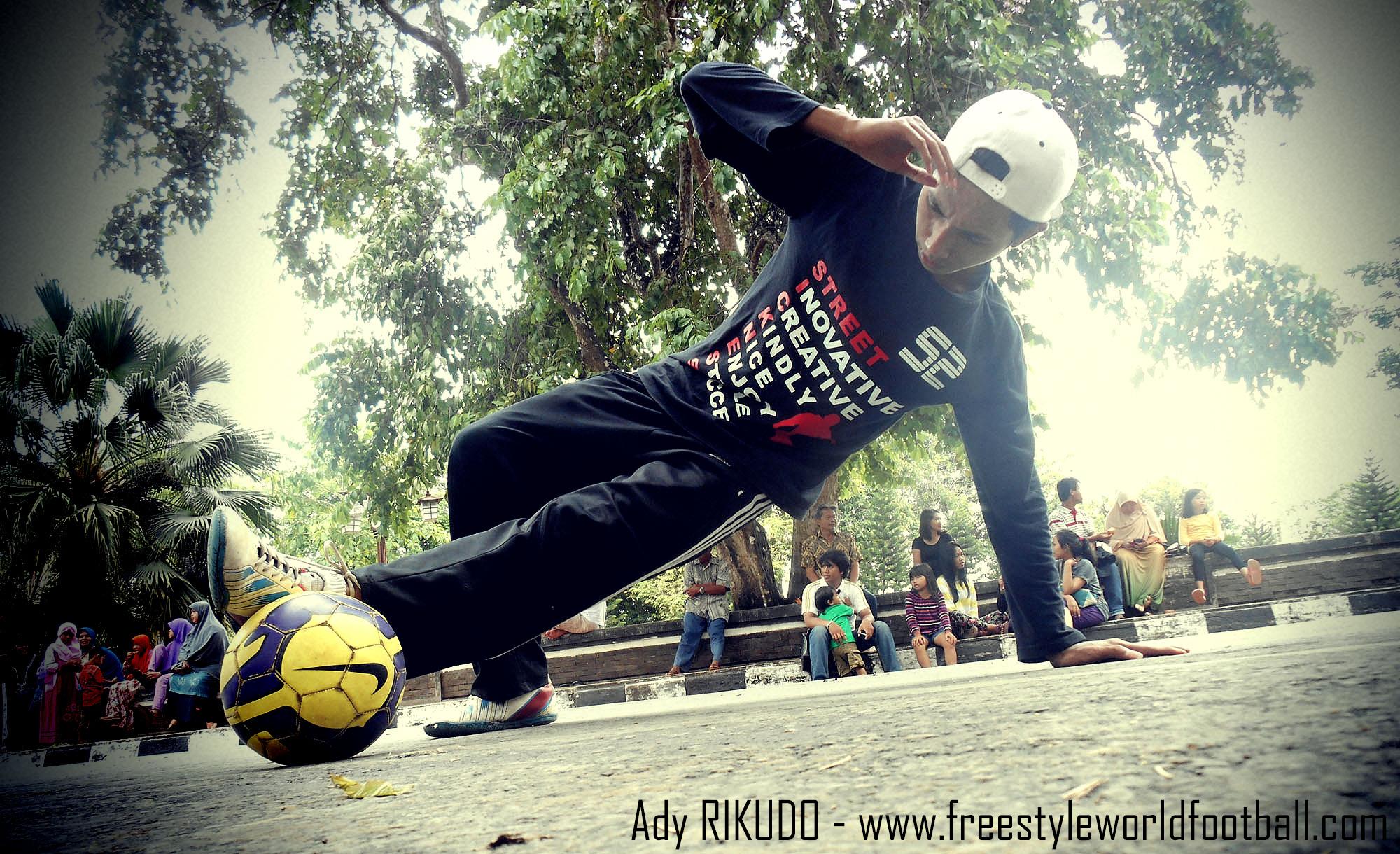 Ady RIKUDO - 005 - www.freestyleworldfootball.com.jpg