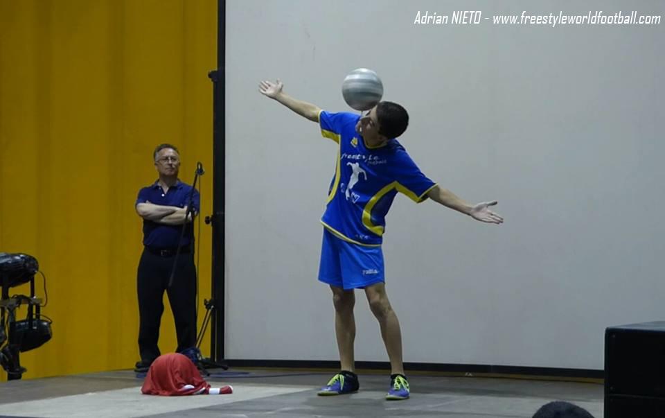 Adrian NIETO - 002 - www.freestyleworldfootball.com.jpg