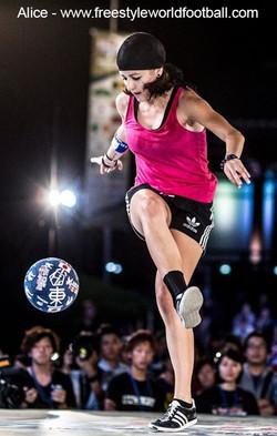 alice - 002 - www.freestyleworldfootball.com.jpg
