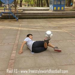 Raul FS - www.freestyleworldfootball.com.jpg