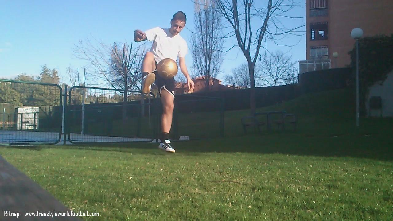 Riknep - 003 - www.freestyleworldfootball.com.jpg