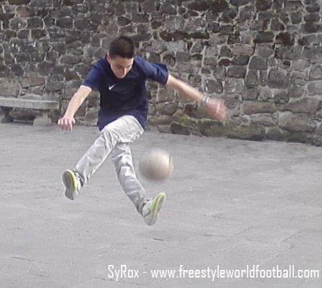 SyRox - 005 - www.freestyleworldfootball.com.jpg