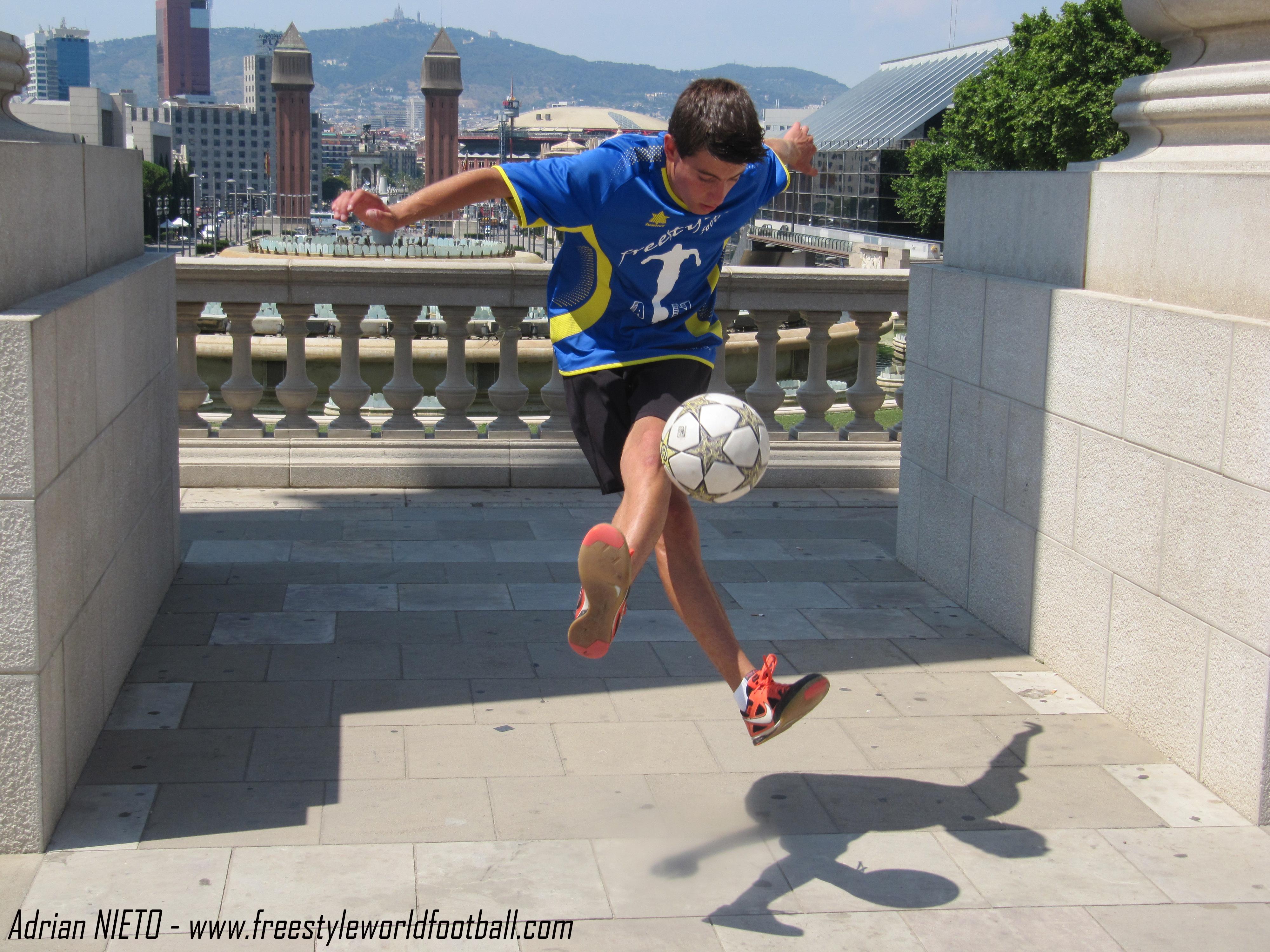 Adrian NIETO - 005 - www.freestyleworldfootball.com.jpg