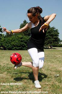 Laura BIONDO - Lala - Freestyler - 002 - www.freestyleworldfootball.com.jpg