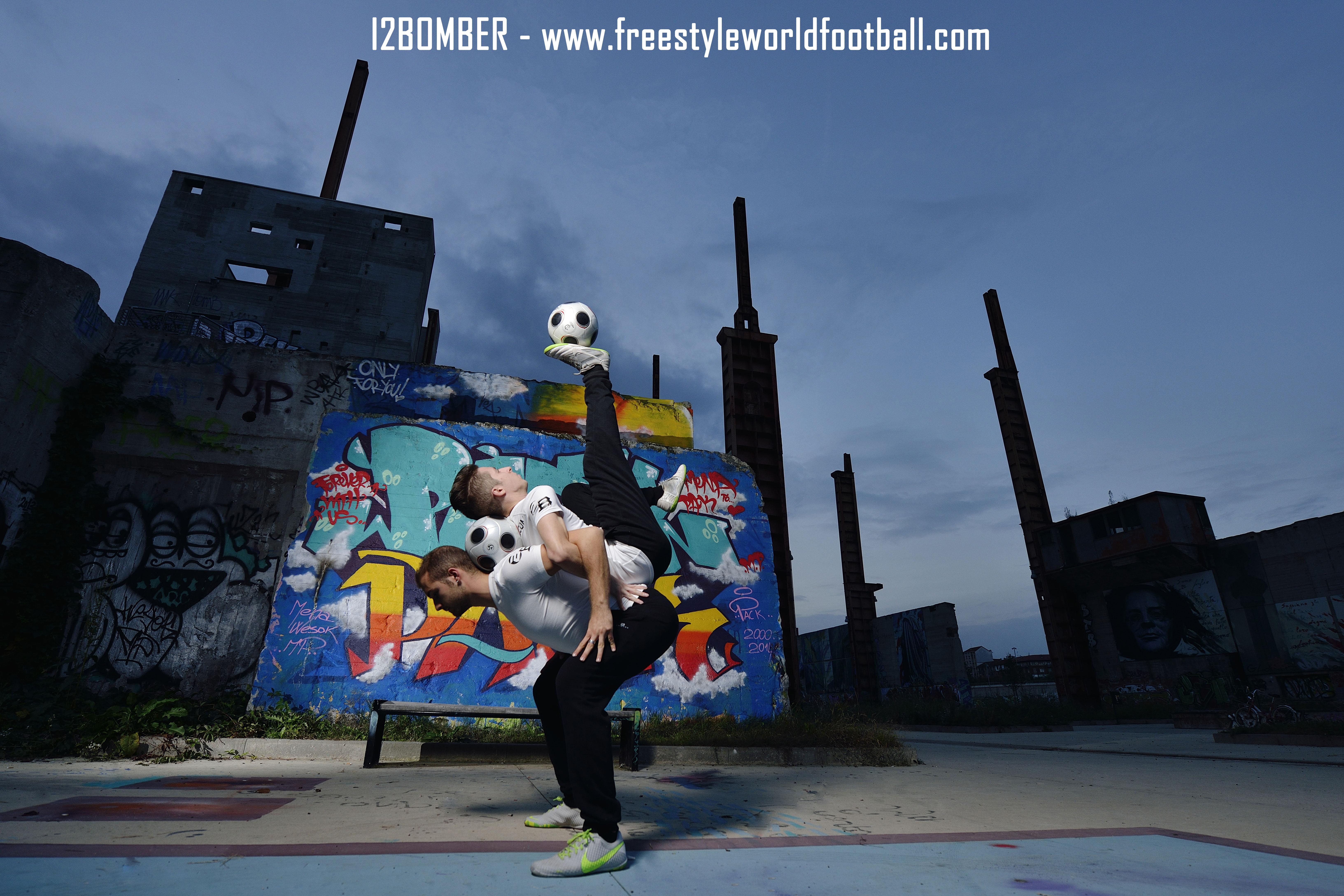 I2BOMBER - 001 - www.freestyleworldfootball.com.jpg