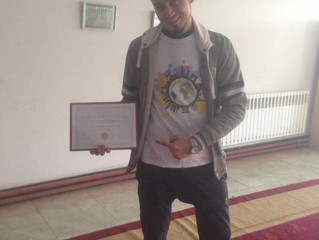 Abdulla Afghani, winner of the 1st battle, received his gifts ! / Abdulla Afghani, vainqueur de la 1