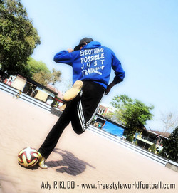 Ady RIKUDO - 001 - www.freestyleworldfootball.com.jpg