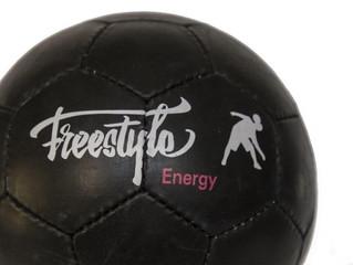 EnergyGlobe - The New Freestyle Football Balloon / EnergyGlobe - Le Nouveau Ballon de Football Frees