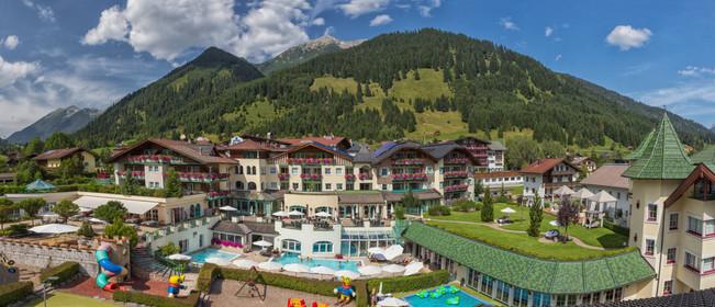 Hotelansicht1 Sommer.jpg