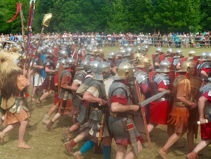 Légionnaires romains se préparant au combat