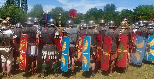Equipement varié d'une centurie de légionnaires romains de la fin du 1er siècle ap. JC.