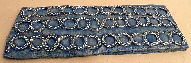 Jeu (?) retrouvé à Jiroft en Iran ressemblant au duodecim scripta et daté du 3ème millénaire av. JC.