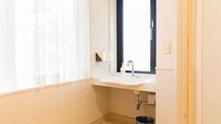 個室の洗面台