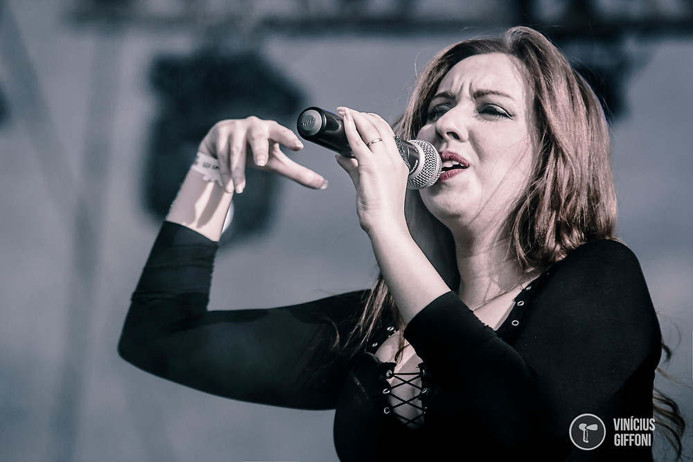 Aline Happ from Lyria on stage Roca N Roll