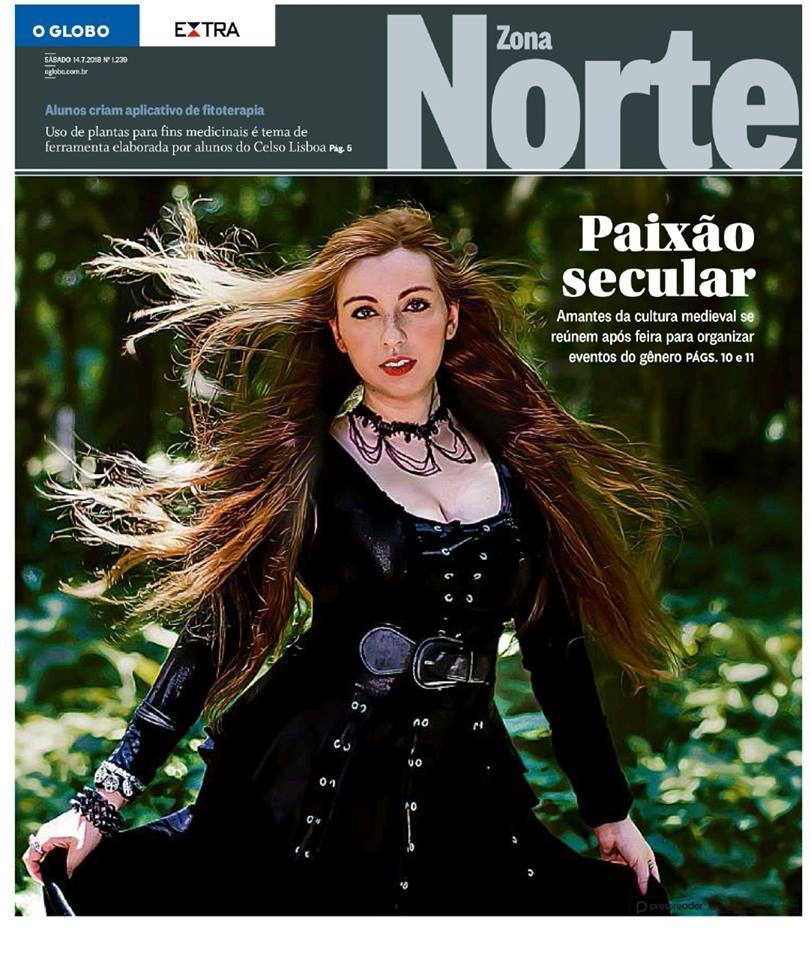 Aline Happ vocalista do Lyria na capa do caderno Zona Norte do jornal O Globo e Extra